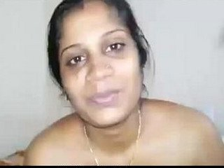South Indian Andhra aunty showing boobs and pussy