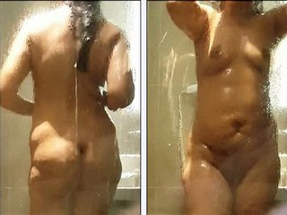Desi wife hot bath recorded by hubby