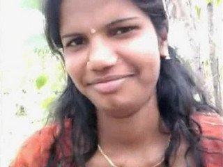 Sxy Tamil Babe Boob Press Outdoor in Park wid Audio