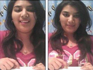Beautyful bhabi showing hot sweet boobs