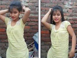 Bhojpuri hot song with sexy cute girl dance