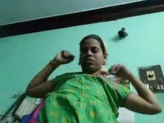 Desi girl Gouthami nude body show after bath