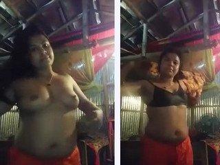 Desi bhabi dress change and after bath