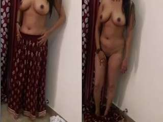 Today Exclusive-Sexy Punjabi Girl Strip Her Cloths