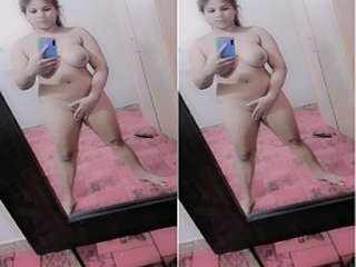 Today Exclusive- Sexy Paki Girl Record Nude Selfie