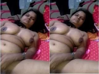 Today Exclusive- Sexy Desi Bhabhi Blowjob and Fucked