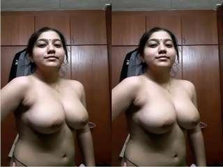 Today Exclusive- Sexy Tamil Girl Record her Nude Selfie part 1