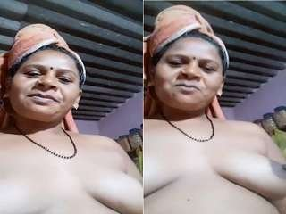 Today Exclusive- Desi Aunty Record Nude Selfie