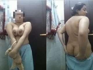 Today Exclusive- Sexy Desi Girl Showing Her Boobs and Big ASS