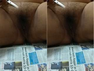 Today Exclusive- Bhabhi Cut her Pussy hair