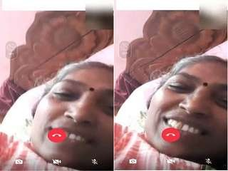 Today Exclusive- Mallu Aunty Showing pussy on Video Call Part 3