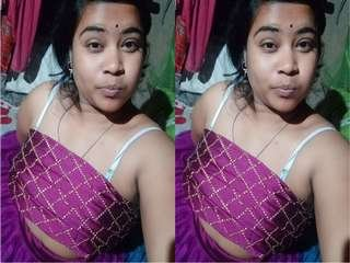 Today Exclusive- Cute Odia Girl Showing Her Boobs and Pussy On Video Call