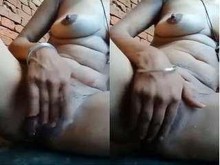 Today Exclusive – Cute Desi Village Girl Showing Her Boob and Bathing Part 2