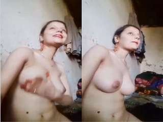 Today Exclusive- Horny Paki Girl Showing Her Boobs and Pussy