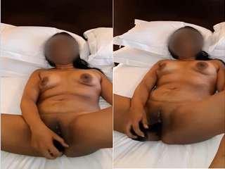 Today Exclusive- Horny Lankan Bhabhi Masturbating With Dildo