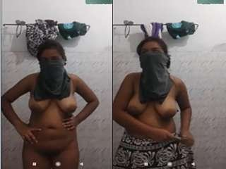 Today Exclusive- Desi girl Showing Her Boobs and Pussy to Lover On Video call
