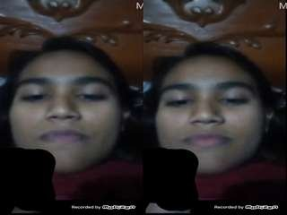 Today Exclusive- Cute Desi Girl Showing Her Boobs on Video Call