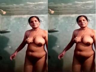 Today Exclusive- Tamil Bhabhi Record her Bathing Video Part 3