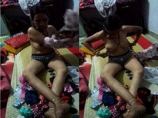 Exclusive- Desi Bhabhi Trying New Bra