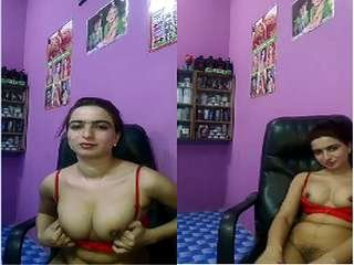 Today Exclusive- Sexy look Pak Girl Showing Her Boobs and Pussy