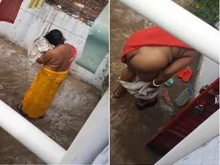 Today Exclusive- Desi Bhabhi After Bath Part 1