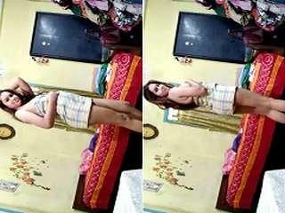 Today Exclusive- Cute look Desi Girl Wearing Bra