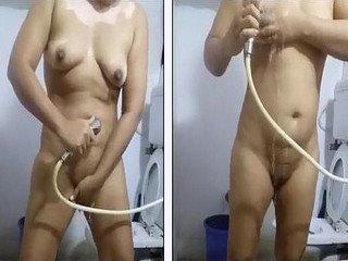 Desi Leucoderma bhabi naked bathing record by hubby