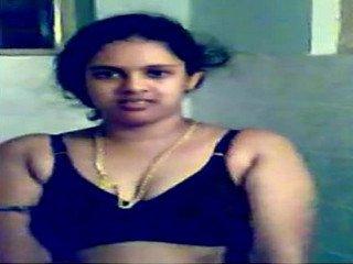Cute mallu girl naked capture in bath by boyfriend