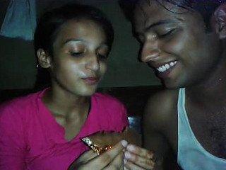 Desi Colg Teen Chocolaty Kiss n Boob Show wid Hindi Audio
