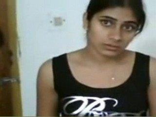 Hot n Sexy Teen GF Shyna Mobile Clip Leaked Hindi Audio