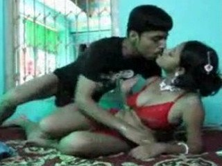 Cute young indian wife & hubby homemade fuk