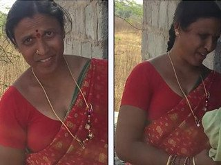 Desi aunty caught while trying to have sex