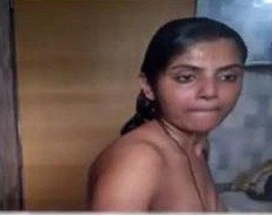 Beautyful Desi Girl Bathing Caught by Hidden Cam
