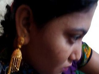 Desi girlfriend big boobs exposed