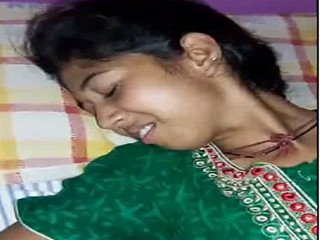 Sexy desi girl pussy fingering by bf and she moaning