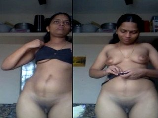indian bhabi dressing change with sexy body
