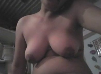 Desi girl making nude selfie video at home
