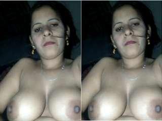 Today Exclusive-Hot Desi Bhabhi Record Masturbating Selfie