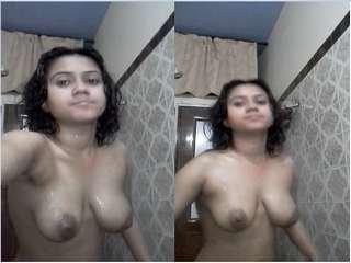 Today Exclusive-Desi Girl Record Nude Selfie