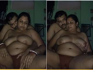 Today Exclusive- Hot Desi Couple Romance and Blowjob Part 1