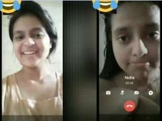 Today Exclusive-Desi Girl Showing her Bathing On Video Call