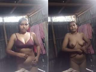 Today Exclusive- Desi Village Girl Showing Her Boobs and Pussy To Lover part 2