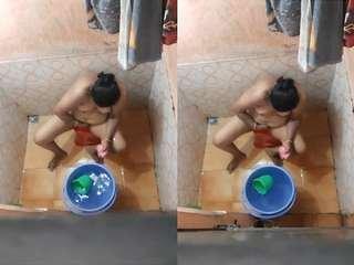 Today Exclusive- Bhabhi Bathing Capture By Hidden Cam