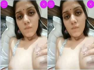 Today Exclusive- Horny Bahbhi Showing Her Boobs Part 4