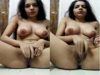 Today Exclusive- Sexy Desi Girl Fingerring and Cum
