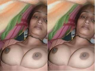 Today Exclusive-  Desi village Bhabhi Showing Her Boobs and Pussy Part 4