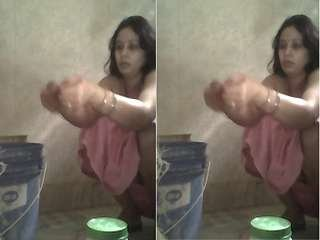 Today Exclusive- Bihari Bhabhi Record Her Bathing Video For Lover