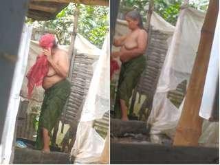 Today Exclusive- Desi Aunty Out Door Bathing part 1