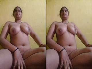 Today Exclusive- Desi Village Bhabhi Showing Her Boobs and Pussy Part 10