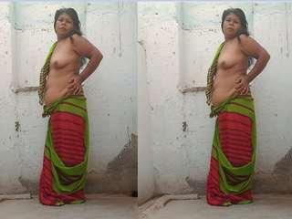 Today Exclusive- Desi Randi Bhabhi Nude Dance And Blowjob Part 1